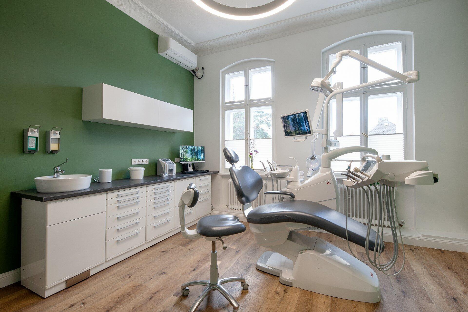 Behandlungszimmer neu Zahnarztpraxis Wolter Berlin
